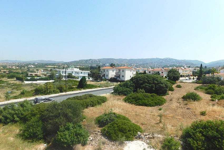 Modern villa for rent long term in Tala04