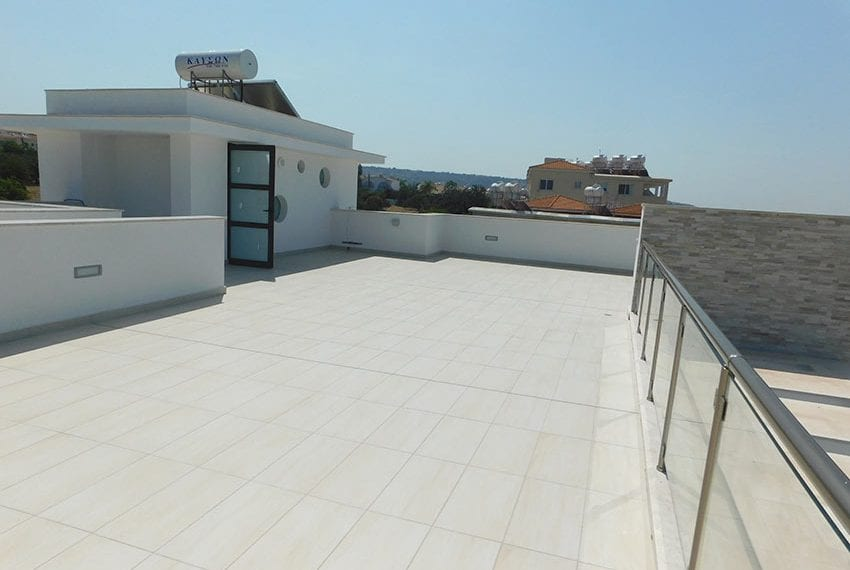 Modern villa for rent long term in Tala05