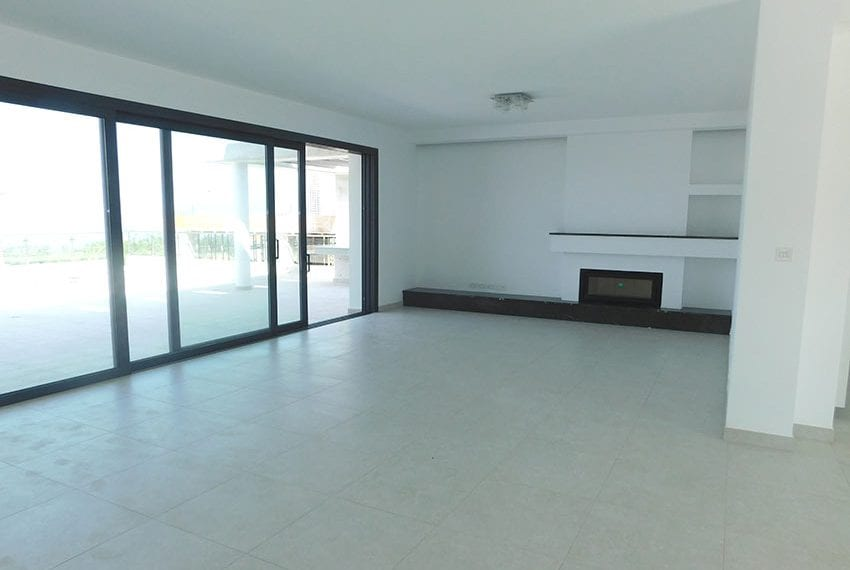 Modern villa for rent long term in Tala21