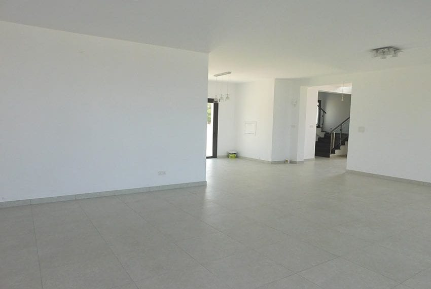 Modern villa for rent long term in Tala29