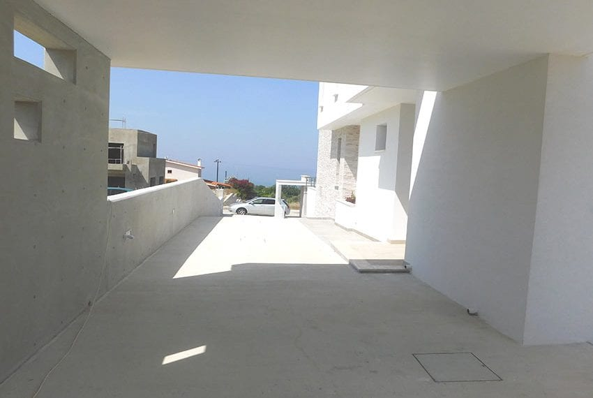 Modern villa for rent long term in Tala32