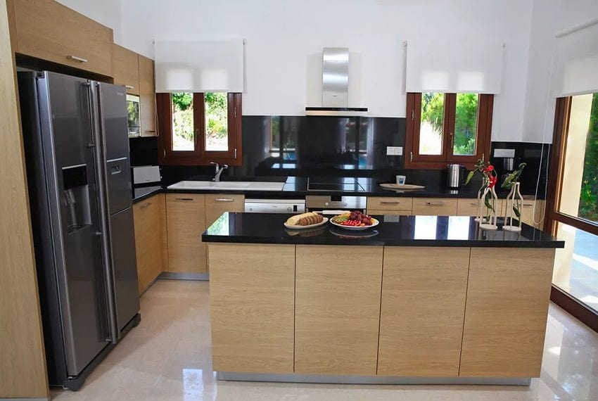 For rent luxury 3 bedroom villa at Aphrodite Hills Cyprus06