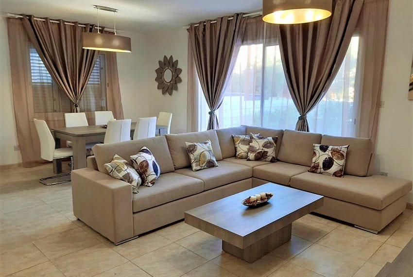 Ground floor apartment for sale in Kato Paphos