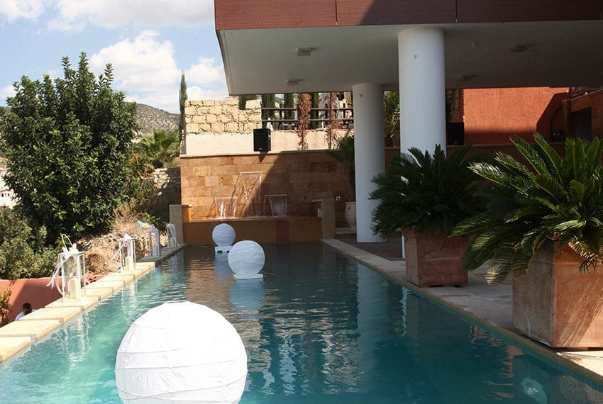 Spectacular 5 bed villa for rent in Tala Paphos35