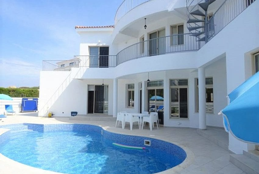 Luxury 4 bed villa for rent in Akamas 02