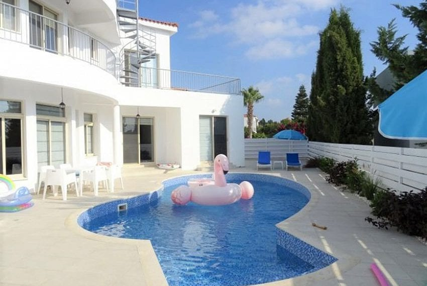 Luxury 4 bed villa for rent in Akamas 04