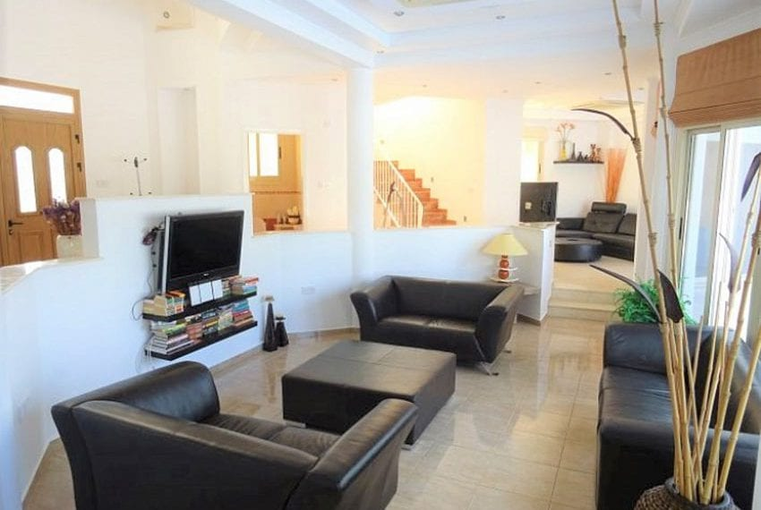 Luxury 4 bed villa for rent in Akamas 07