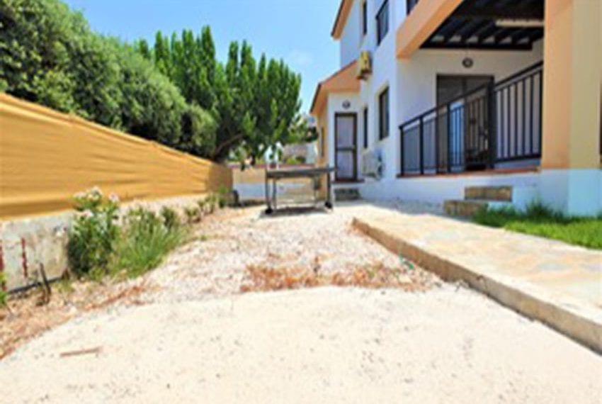 Beach front villa for rent in Kissonerga03