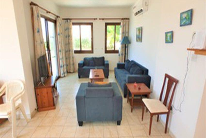 Beach front villa for rent in Kissonerga07