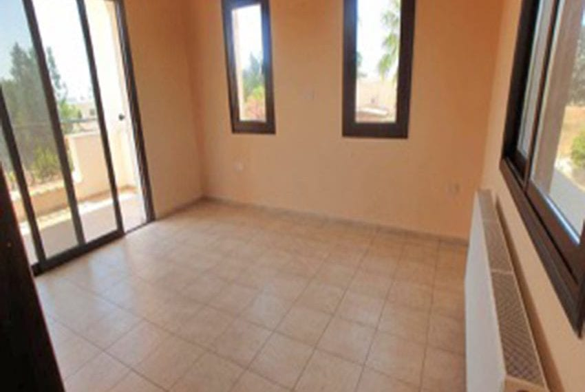 3 bed villa with central heating for rent in Mandria01
