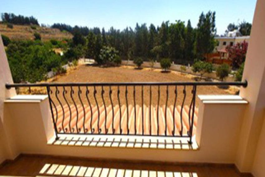 3 bed villa with central heating for rent in Mandria04