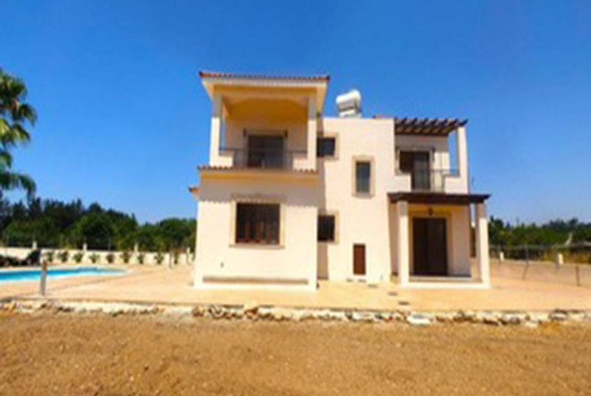 3 bed villa with central heating for rent in Mandria06