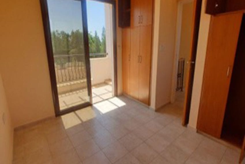 3 bed villa with central heating for rent in Mandria08