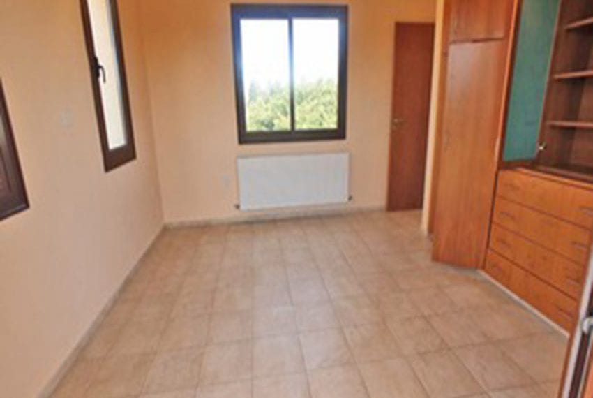3 bed villa with central heating for rent in Mandria14
