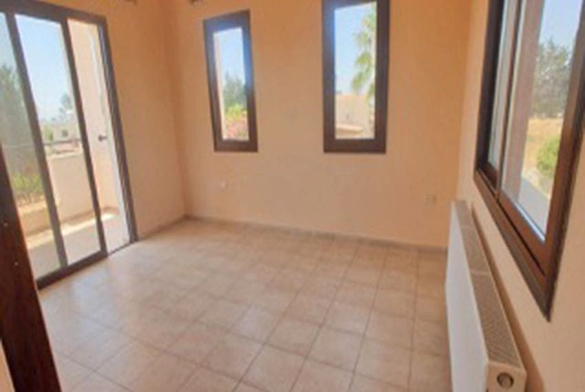 3 bed villa with central heating for rent in Mandria17