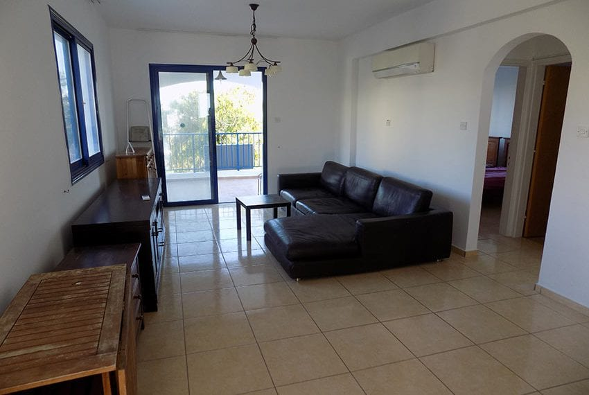 Renovated 2 bedroom apartment for sale Paphos08