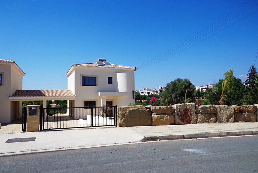 Villa for rent long term in Venus Rock Paphos01
