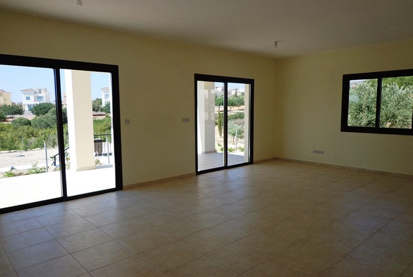 Villa for rent long term in Venus Rock Paphos04