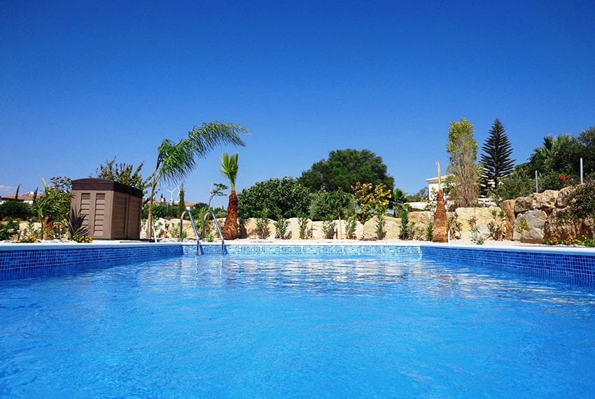 Villa for rent long term in Venus Rock Paphos15