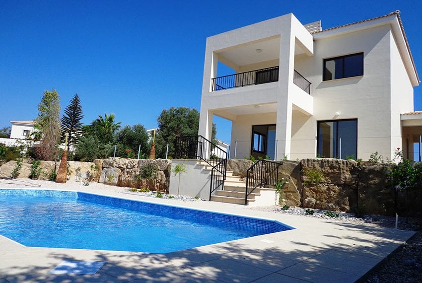 Villa for rent long term in Venus Rock Paphos17