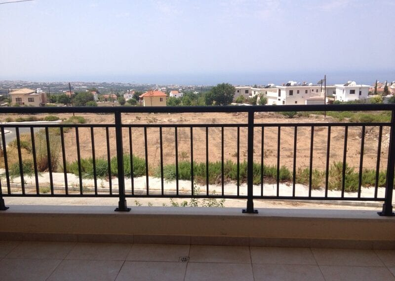 2 bedroom apartment for rent long term in Tala02