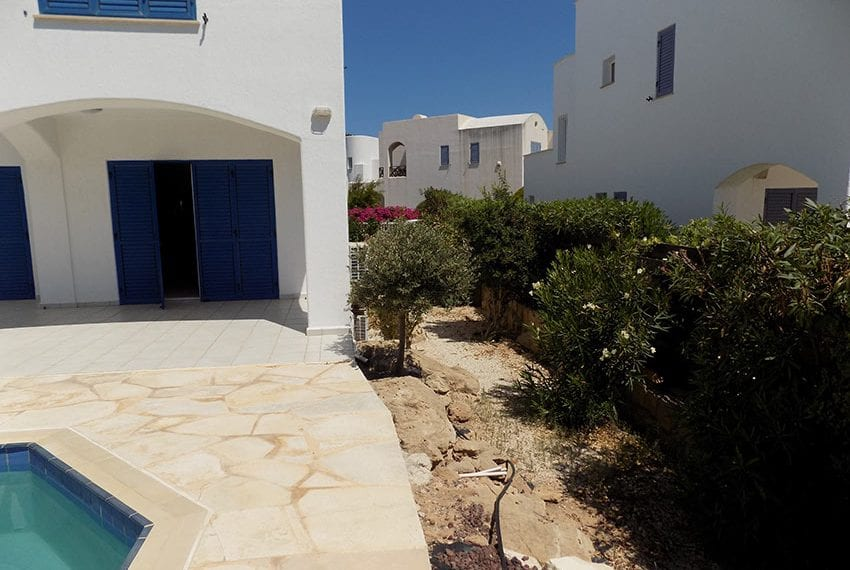 5 bedroom villa with private pool for rent Chloraka coast line07