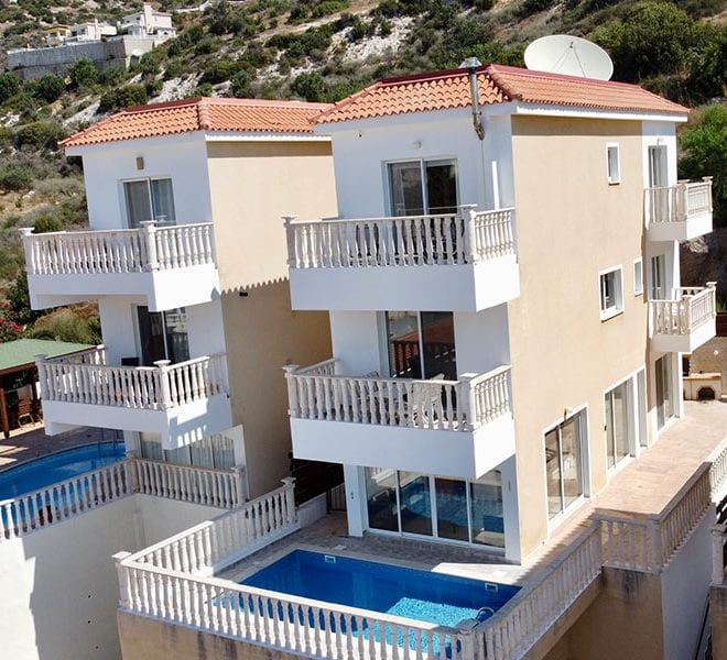 3 bed detached villa with private pool for rent Peyia