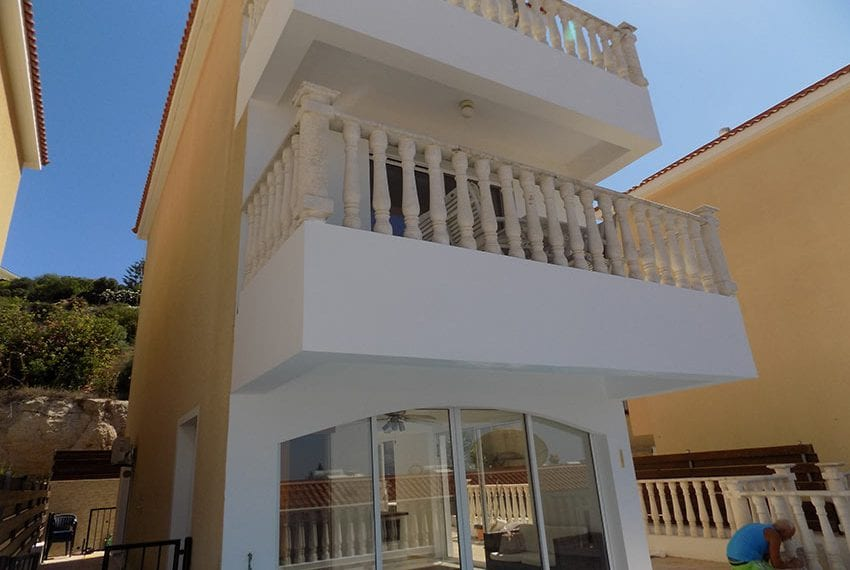 3 bed detached villa with private pool for rent Peyia42