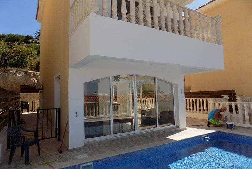 3 bed detached villa with private pool for rent Peyia41