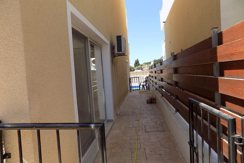 3 bed detached villa with private pool for rent Peyia36
