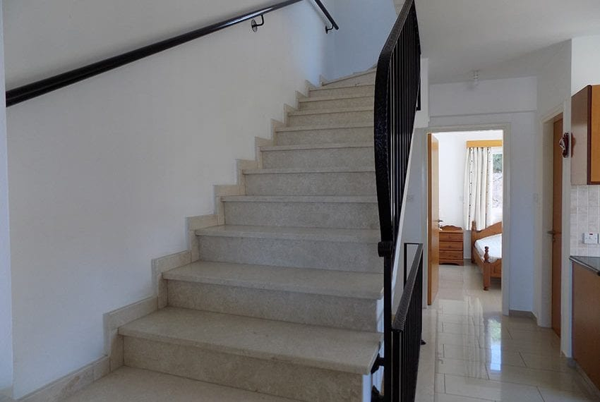 3 bed detached villa with private pool for rent Peyia35