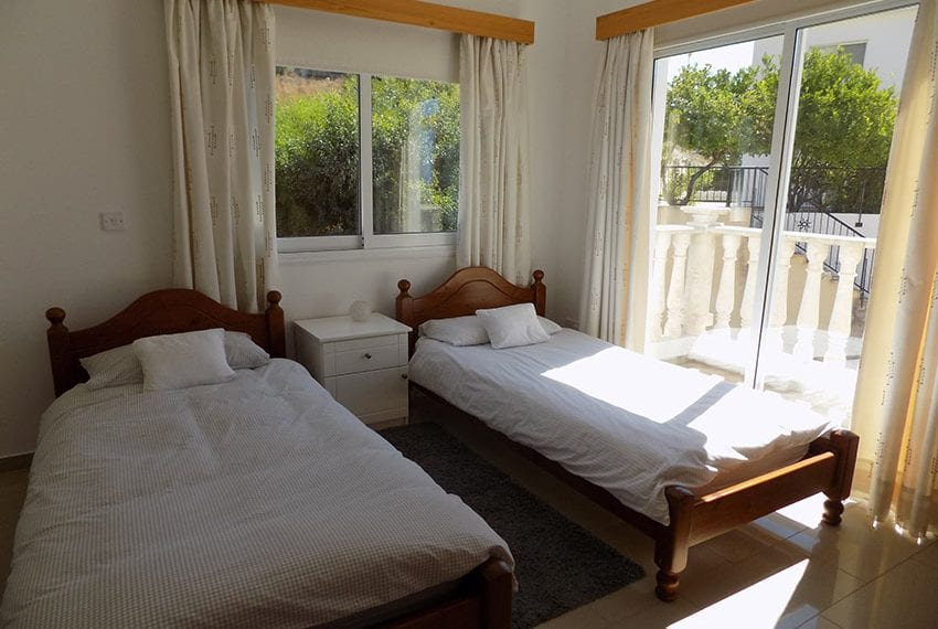 3 bed detached villa with private pool for rent Peyia22