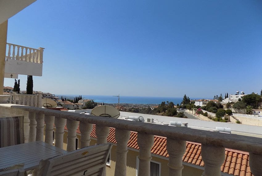 3 bed detached villa with private pool for rent Peyia21