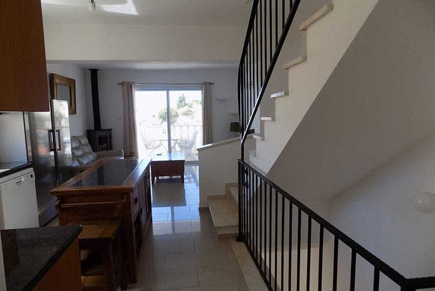 3 bed detached villa with private pool for rent Peyia18