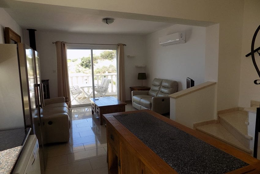 3 bed detached villa with private pool for rent Peyia17