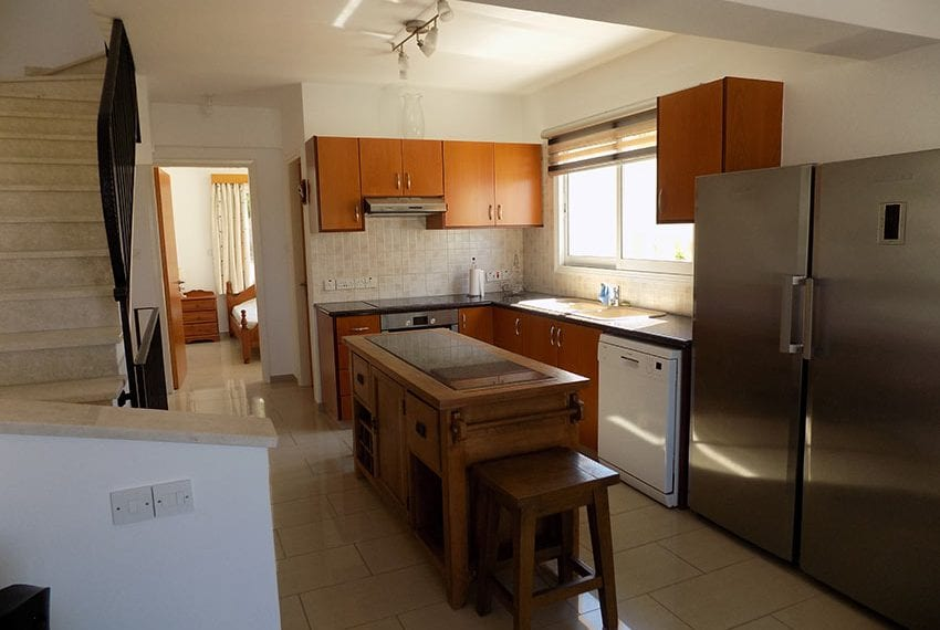 3 bed detached villa with private pool for rent Peyia15