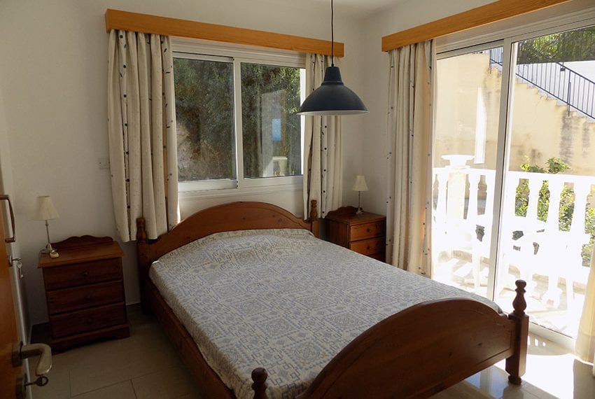 3 bed detached villa with private pool for rent Peyia10