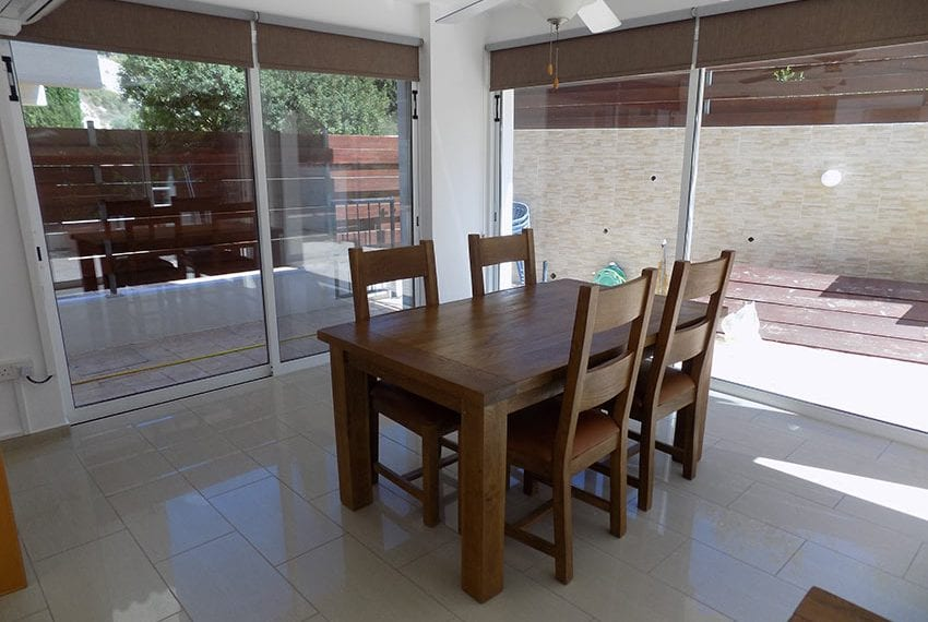 3 bed detached villa with private pool for rent Peyia08