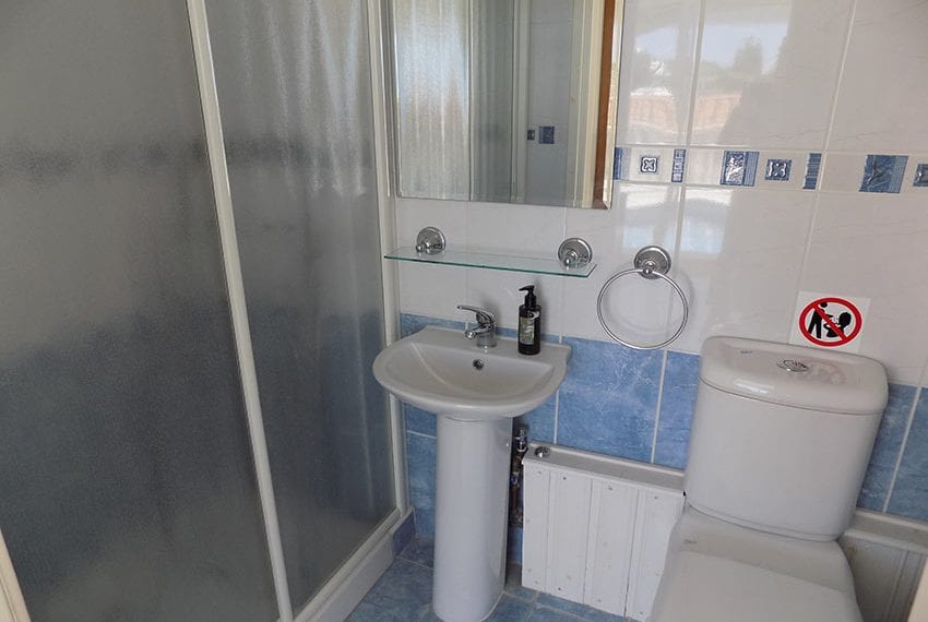 3 bed detached villa with private pool for rent Peyia02