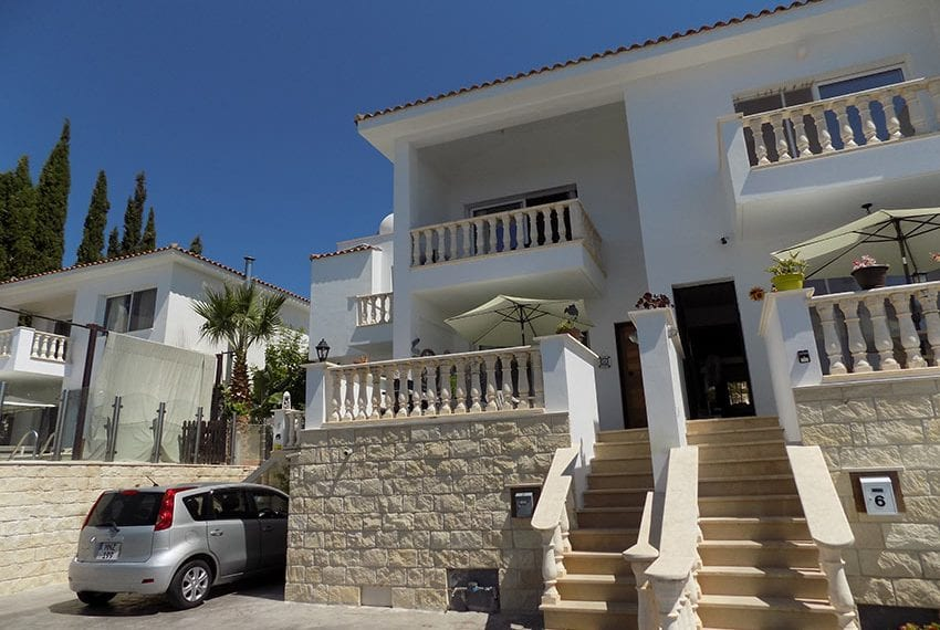 2 bed townhouse for rent long term in peyia02