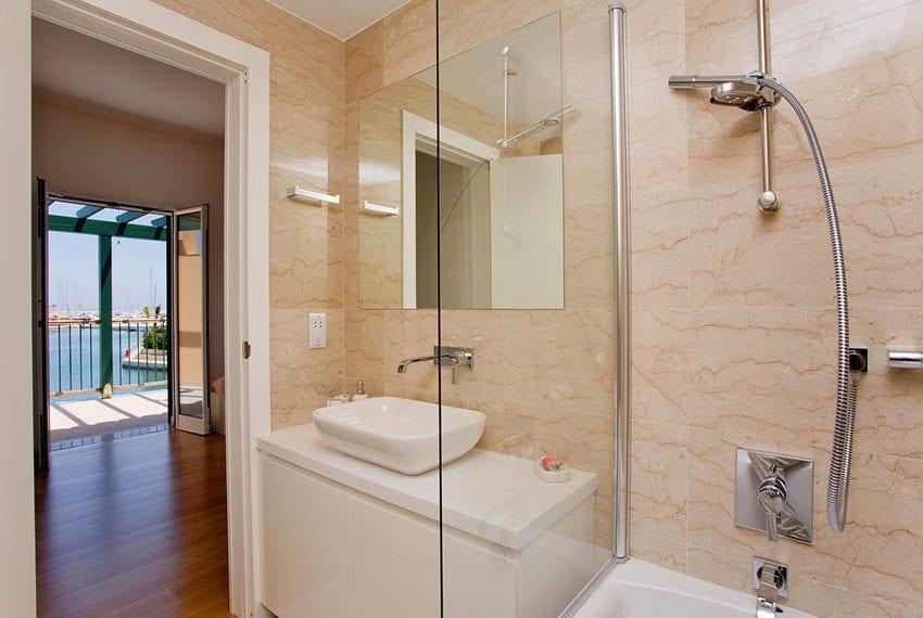 2 bedroom villa for rent in Limassol marina12