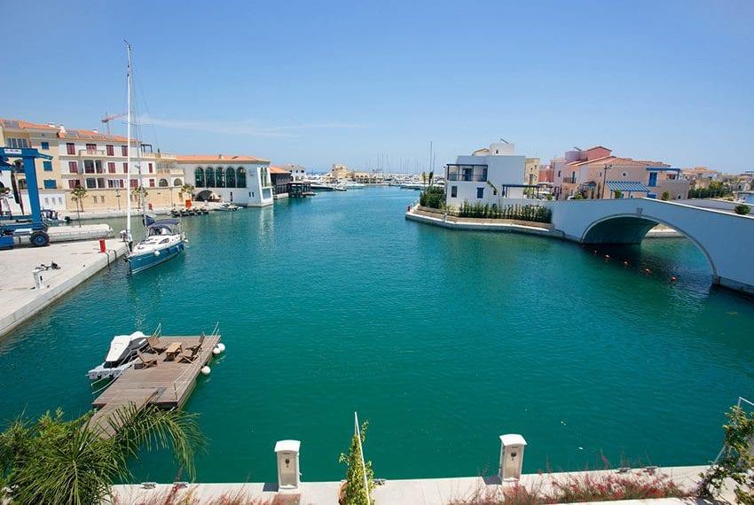 2 bedroom villa for rent in Limassol marina08