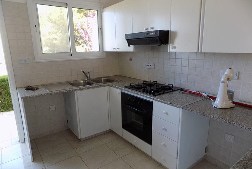 2 bedroom townhouse for rent long term in Peyia11