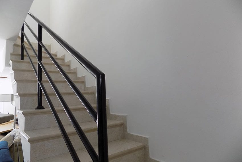 2 bedroom townhouse for rent long term in Peyia09