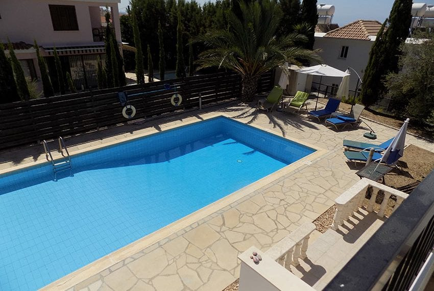 2 bedroom townhouse for rent long term in Peyia08
