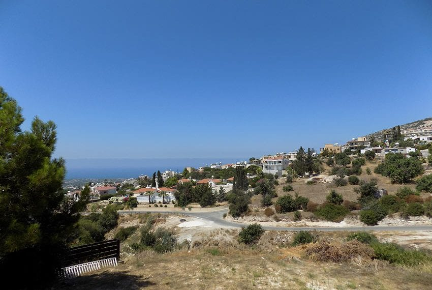 2 bedroom townhouse for rent long term in Peyia04