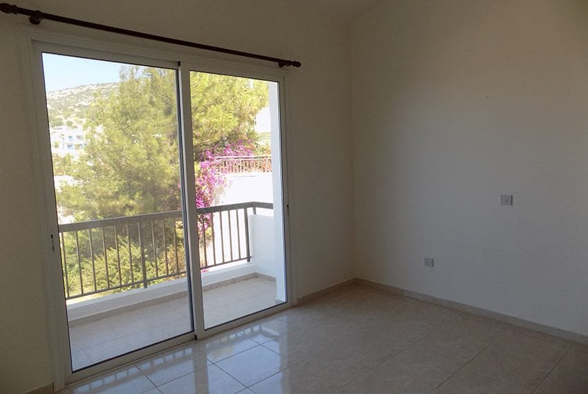 2 bedroom townhouse for rent long term in Peyia02