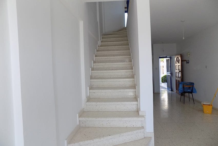 2 bedroom 2 bathroom townhouse for rent in upper Peyia23