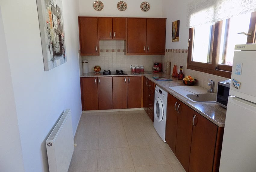 lovely 3 bedroom bungalow for sale in Kathikas15
