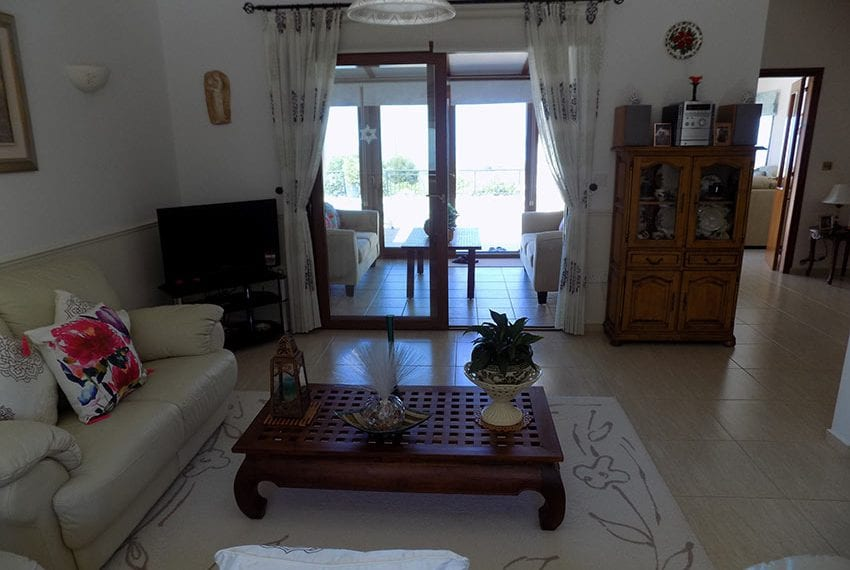 lovely 3 bedroom bungalow for sale in Kathikas19